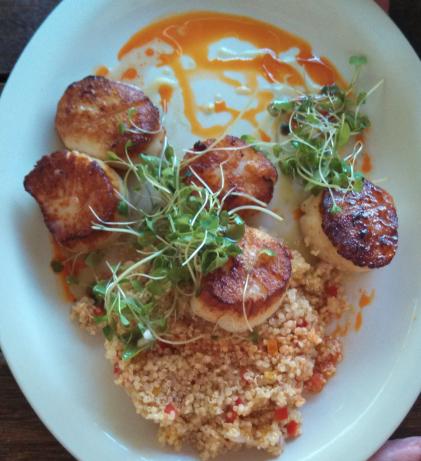 Braised Scallops with Quinoa